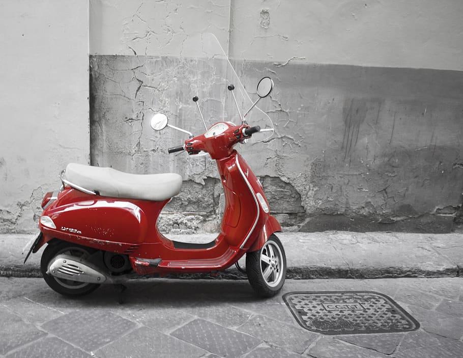 Rote Vespa